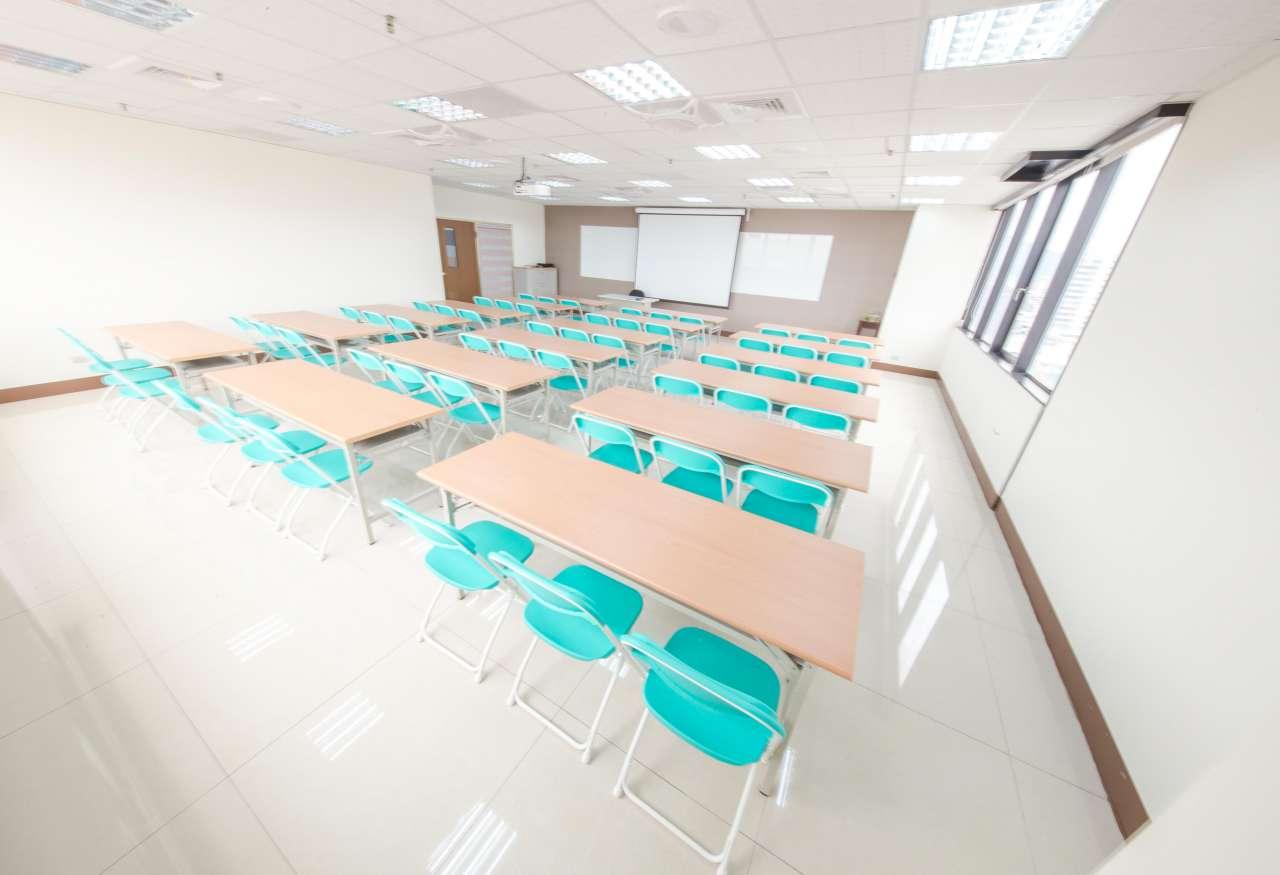 高雄車站NO.1會議/課程/職訓教室-近火車捷運站交通便利好場地