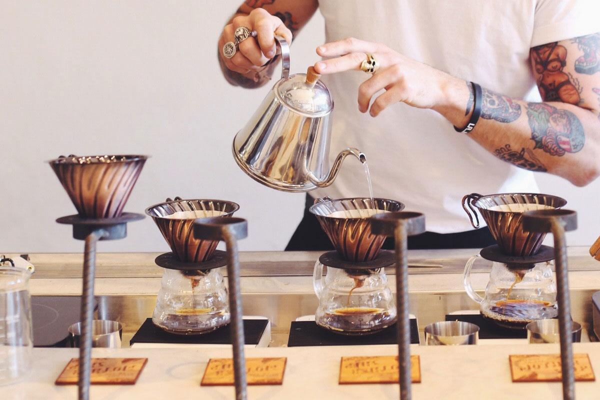 鄰近捷運站【燈光美氣氛佳】10間台北超適合 輕鬆工作的咖啡店!