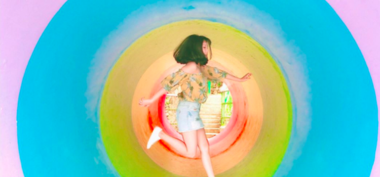 新竹超熱門新景點【彩虹水管隧道】為你創造最夢幻的IG拍照空間!