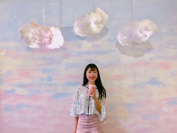 台中超夯 現榨水果牛奶「波莉牛牛」還有夢幻雲朵牆 好喝又好拍!