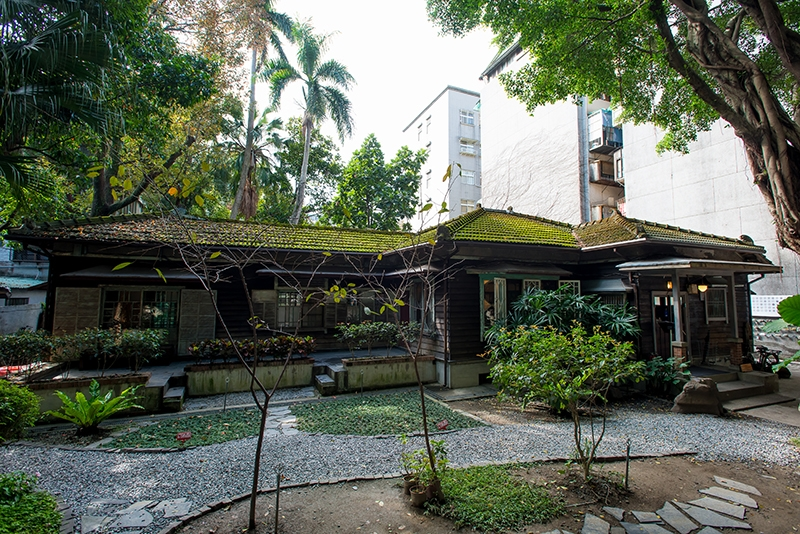 文青注意!86年屋齡日式古建築 「青田七六」復古感餐廳!