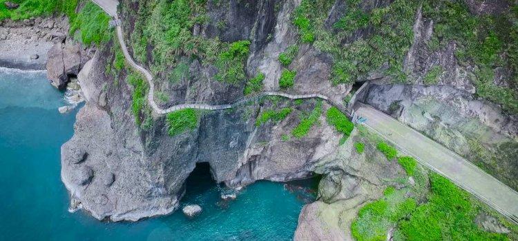 【絕美秘境】踏上花蓮「海上古道」在「透明玻璃」上俯瞰藍色太平洋!