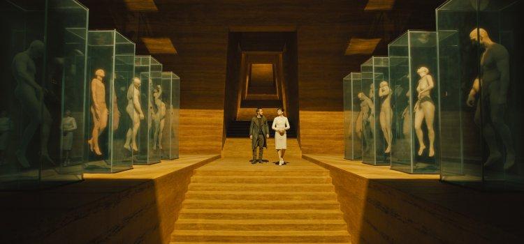 釀電影|從《2009月球漫遊》和《銀翼殺手》,看人類走向無邊的荒涼