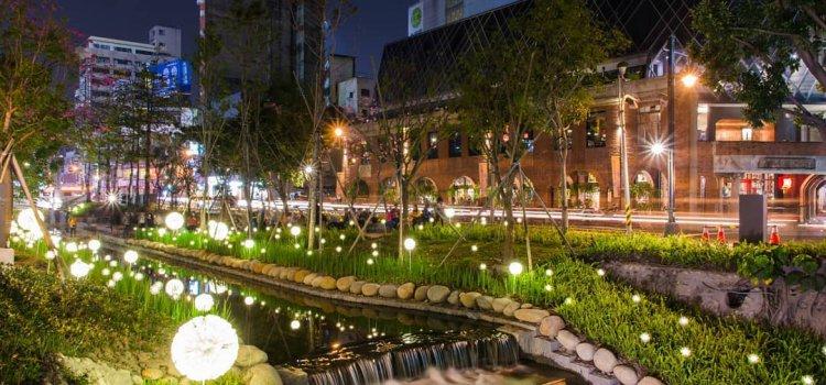 【初春微旅行】京都街景空降台中!神似京都鴨川的「綠川水岸」蒲公英燈海