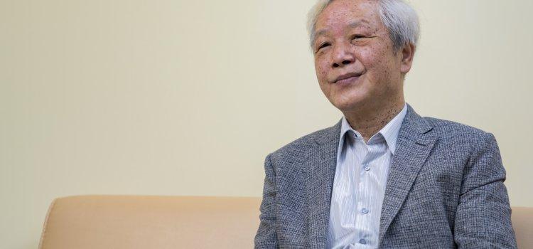 【台北文學獎20週年】專訪 詩人-向陽。我們都是文學這條路上,一起努力前進中的賽跑者。
