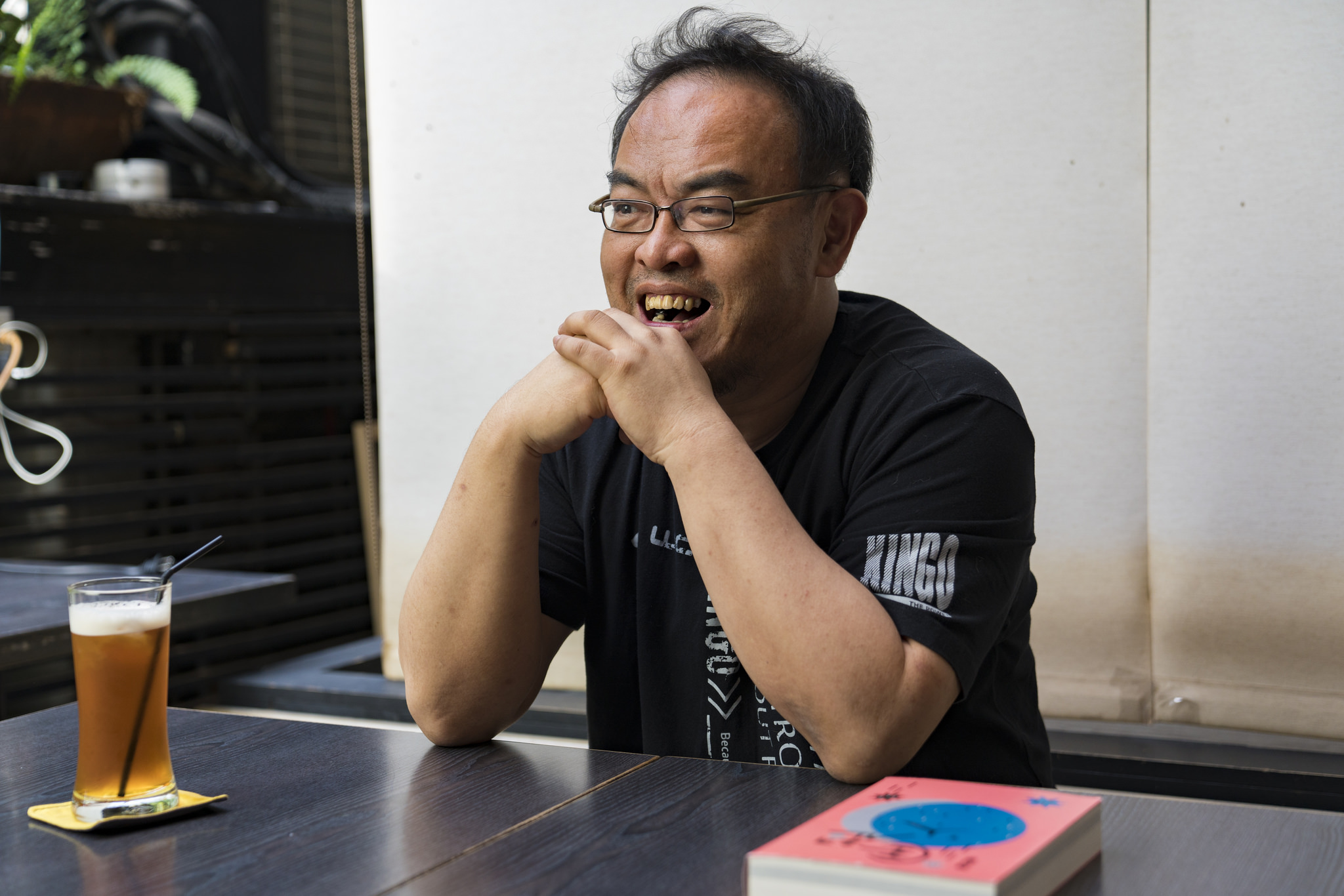 【台北文學獎20週年】專訪 小說家-駱以軍。被文學灼燒雙眼,從此為之癡狂