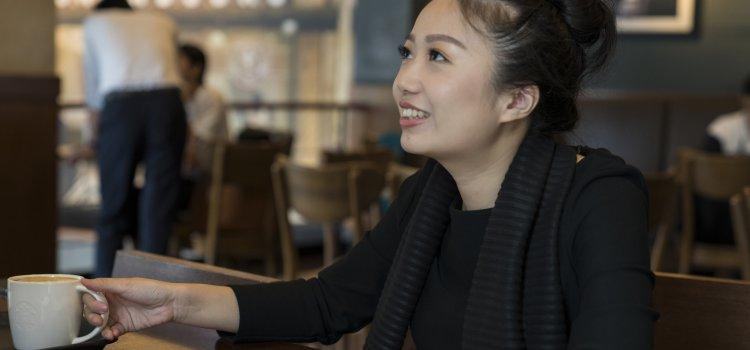 【台北文學獎20週年】專訪 散文首獎得主-洪愛珠。大稻埕花樣年華,老派少女的購物路線