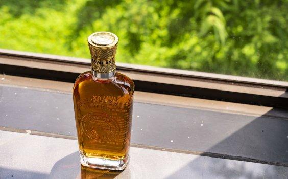 【金車噶瑪蘭 Kavalan】勿以年份論英雄,威士忌行家愛不釋手的「單桶原酒」