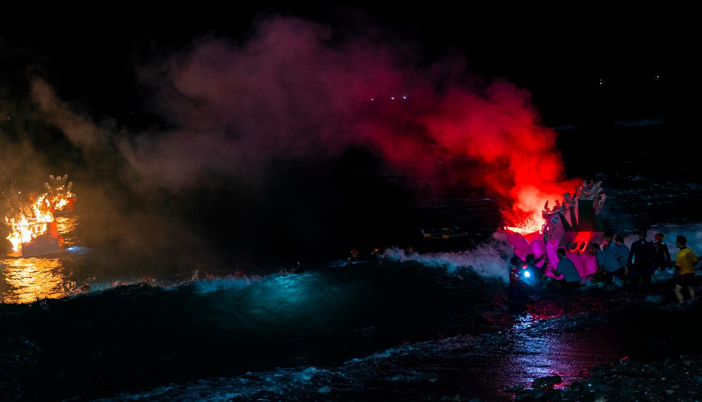 【雨都漫步】基隆人的第二個新年!全城封街夜未眠的「中元祭放水燈」