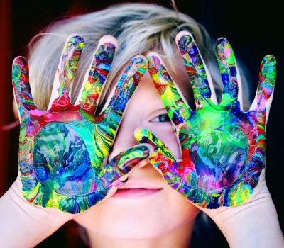 【泡泡奇蹟】給所有想拉近親子關係的父母,和孩子一起吹泡泡重溫童趣!
