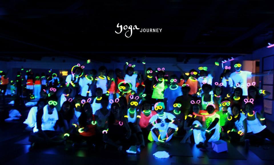 2014 螢光瑜珈派對即將展開-讓我們一起在螢光中做瑜珈!