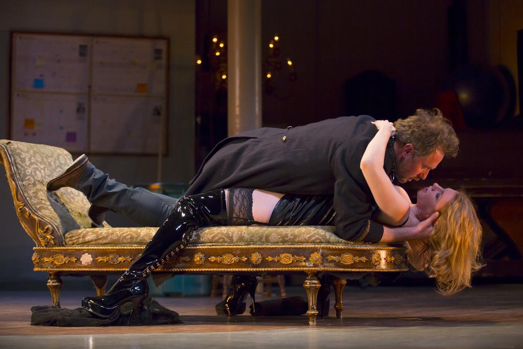 《情慾維納斯》舞台劇在台登場:最魅惑人心的不是肉體與性,而是?