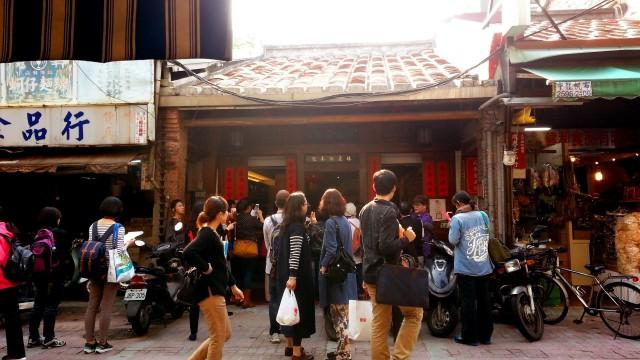 假日小確幸:與好友到大街上看戲看熱鬧,我們並不只是旅遊的過客