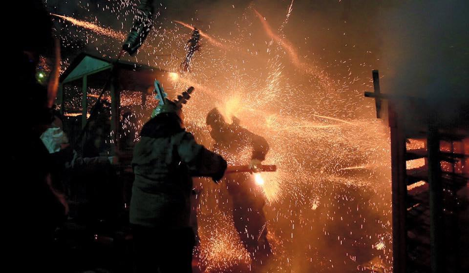 連外國人都瘋狂的台灣民俗盛會!今年台南元宵的鹽水蜂炮  你準備好了嗎?
