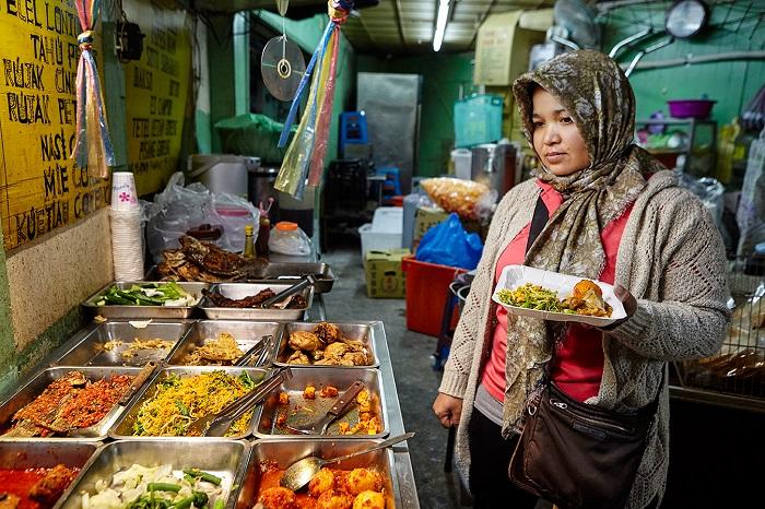 菲律賓移工在台灣的故事縮影 評顧玉玲《我們:移動與勞動的生命記事》