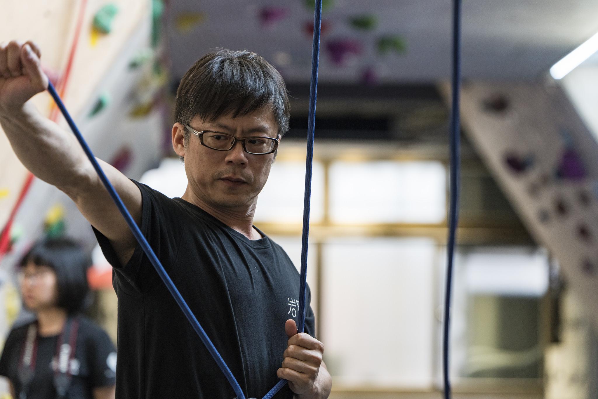 【生活誌專訪】岩究所攀岩教練 – 馬克。讓攀岩像跑步一樣普及,老中幼都能玩!
