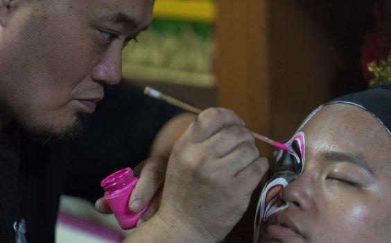 【生活誌專訪】八將臉譜畫師 – 林自賢。起筆,繪下一臉「台灣精萃」
