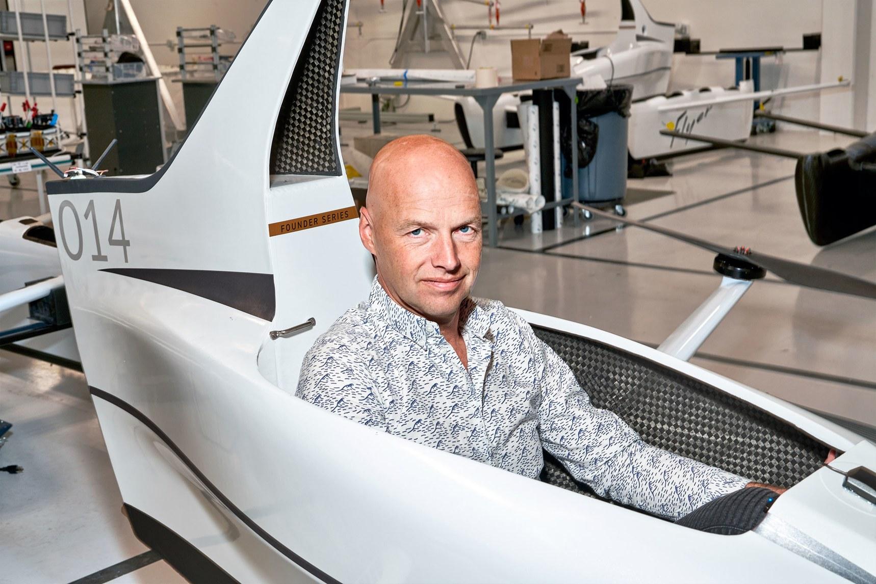 【連線雜誌25周年】下一個25年,無人車發明者認為交通不在陸地,而在天上?