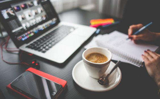 【年終總結】年終報告怎麼寫,才能證明你工作很努力?