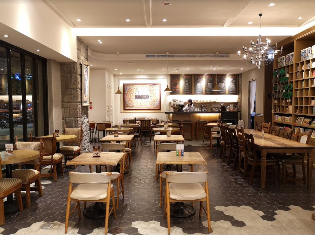 【GALETTE咖啡館】拼圖與咖啡香伴隨左右的悠閒慢活空間。
